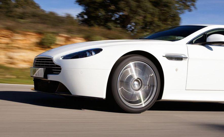 2012 Aston Martin Vantage S Volante and coupe - Slide 92