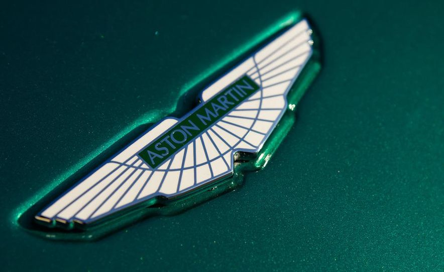 2012 Aston Martin Vantage S Volante and coupe - Slide 32