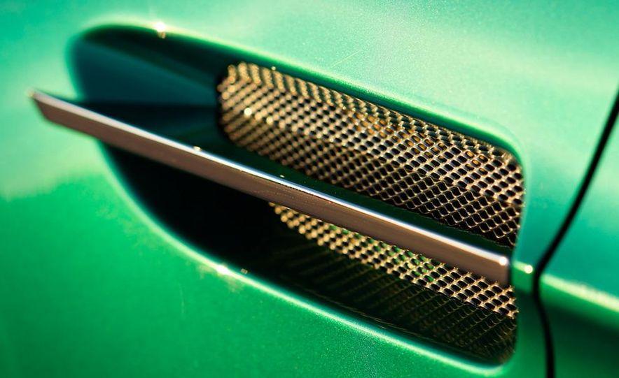 2012 Aston Martin Vantage S Volante and coupe - Slide 35