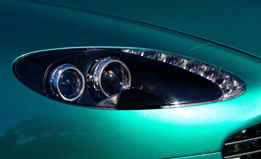 2012 Aston Martin Vantage S Volante and coupe - Slide 41