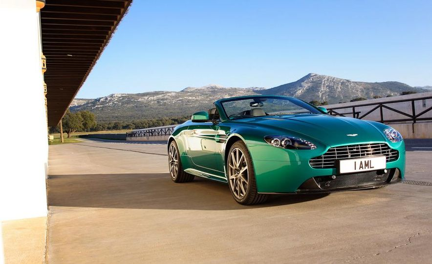 2012 Aston Martin Vantage S Volante and coupe - Slide 7