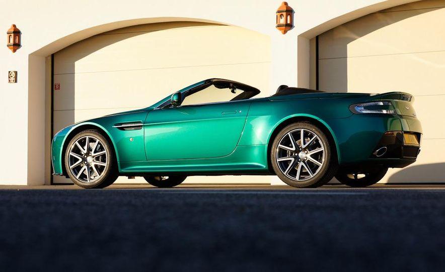 2012 Aston Martin Vantage S Volante and coupe - Slide 8