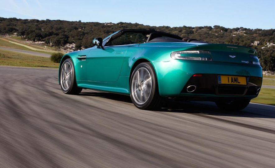2012 Aston Martin Vantage S Volante and coupe - Slide 18