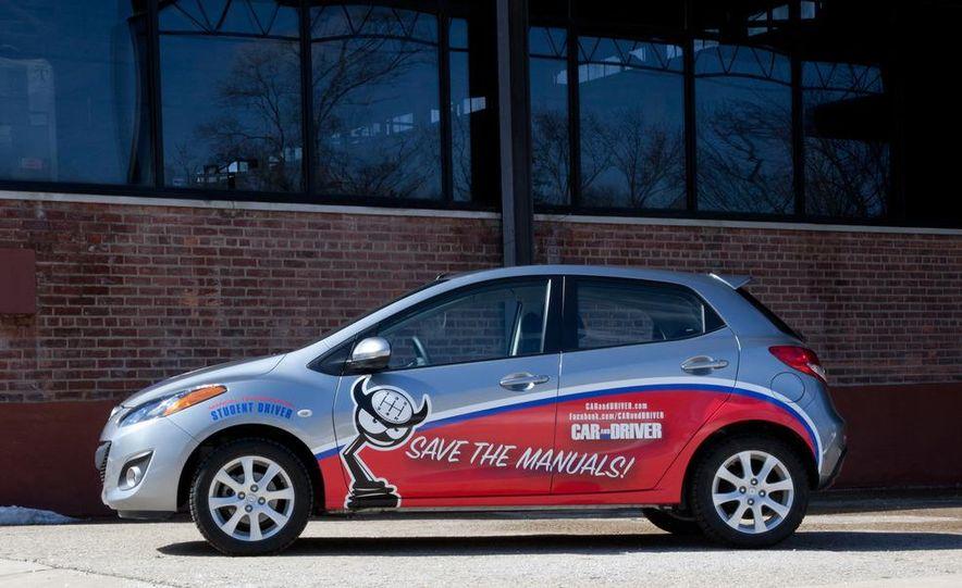 2011 Mazda 2 Touring - Slide 30