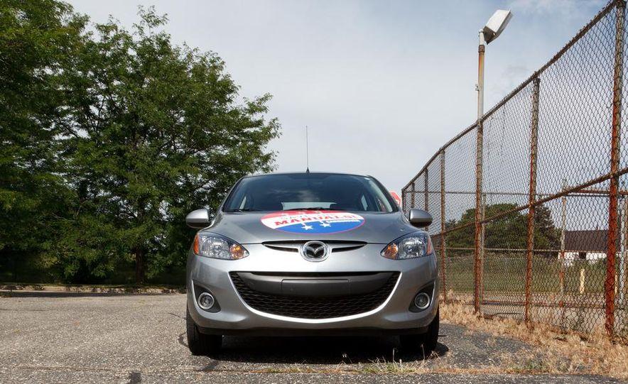 2011 Mazda 2 Touring - Slide 25