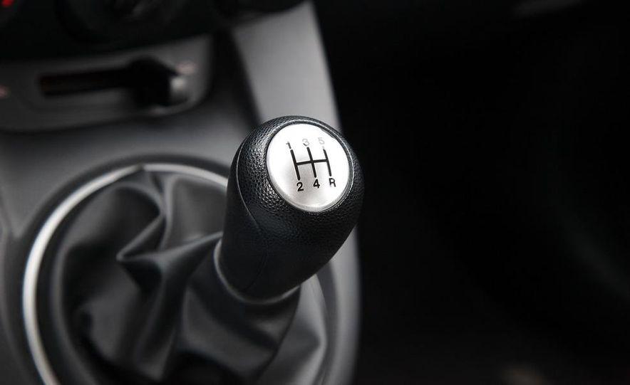 2011 Mazda 2 Touring - Slide 19