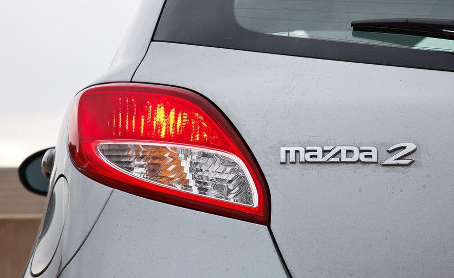 2011 Mazda 2 Touring - Slide 16