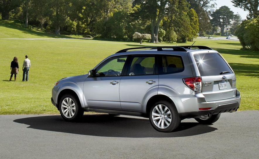2011 Subaru Forester 2.5X Touring - Slide 2