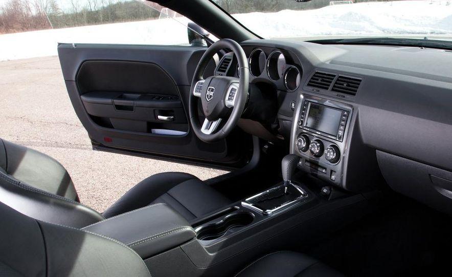 2011 Dodge Challenger Rallye - Slide 27