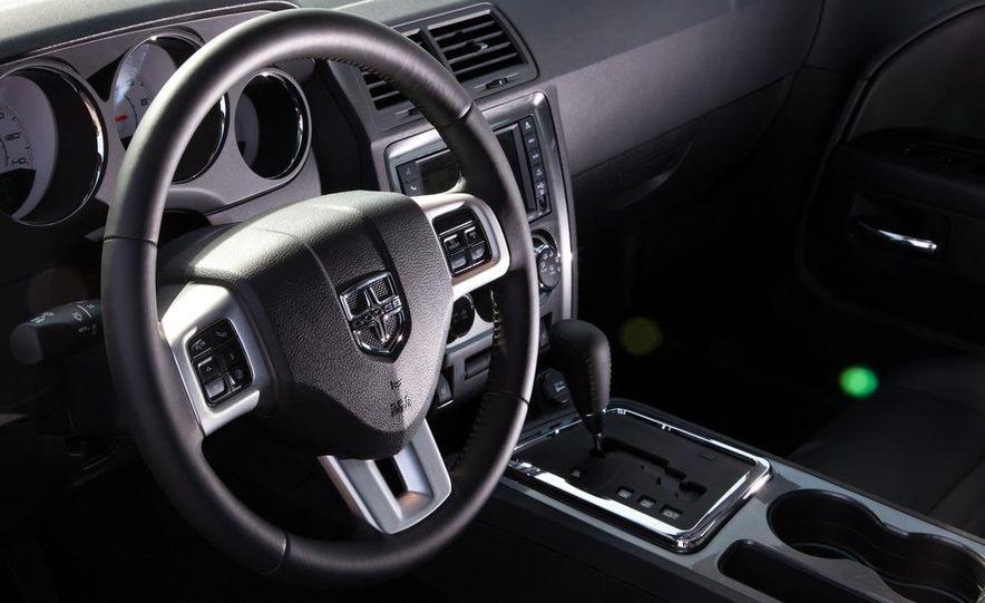 2011 Dodge Challenger Rallye - Slide 29