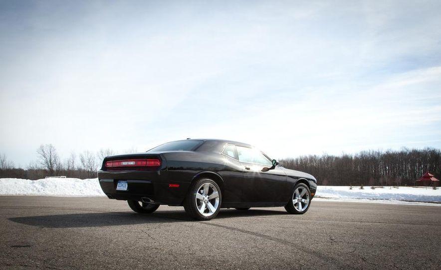 2011 Dodge Challenger Rallye - Slide 5