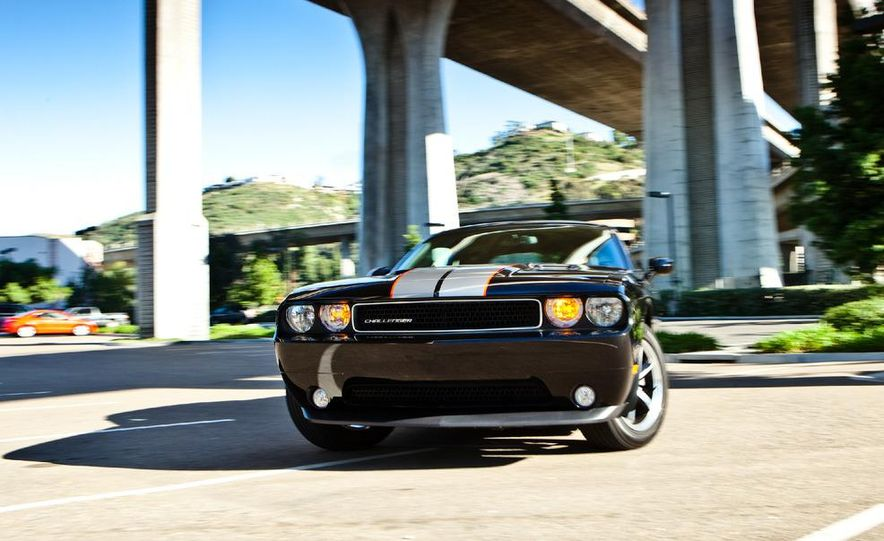 2011 Dodge Challenger Rallye - Slide 13