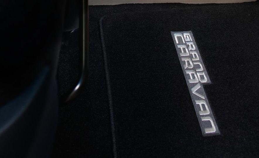 2012 Ram Cargo Van - Slide 25