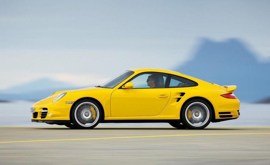 2013 Porsche 911 Turbo coupe (spy photo) - Slide 13