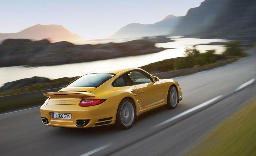 2013 Porsche 911 Turbo coupe (spy photo) - Slide 14