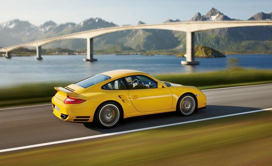 2013 Porsche 911 Turbo coupe (spy photo) - Slide 15