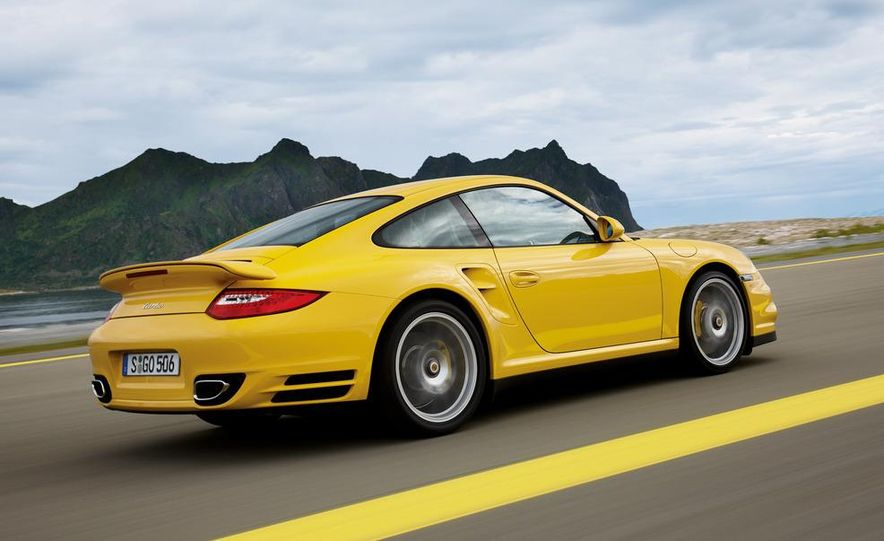 2013 Porsche 911 Turbo coupe (spy photo) - Slide 17