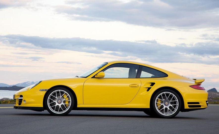 2013 Porsche 911 Turbo coupe (spy photo) - Slide 22