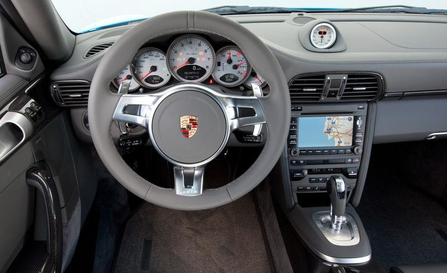 2013 Porsche 911 Turbo coupe (spy photo) - Slide 24