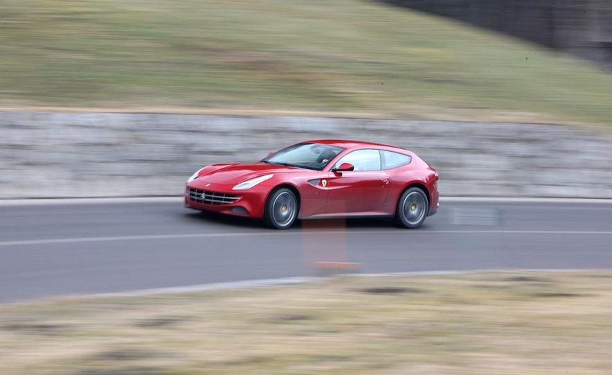 2012 Ferrari FF - Slide 2