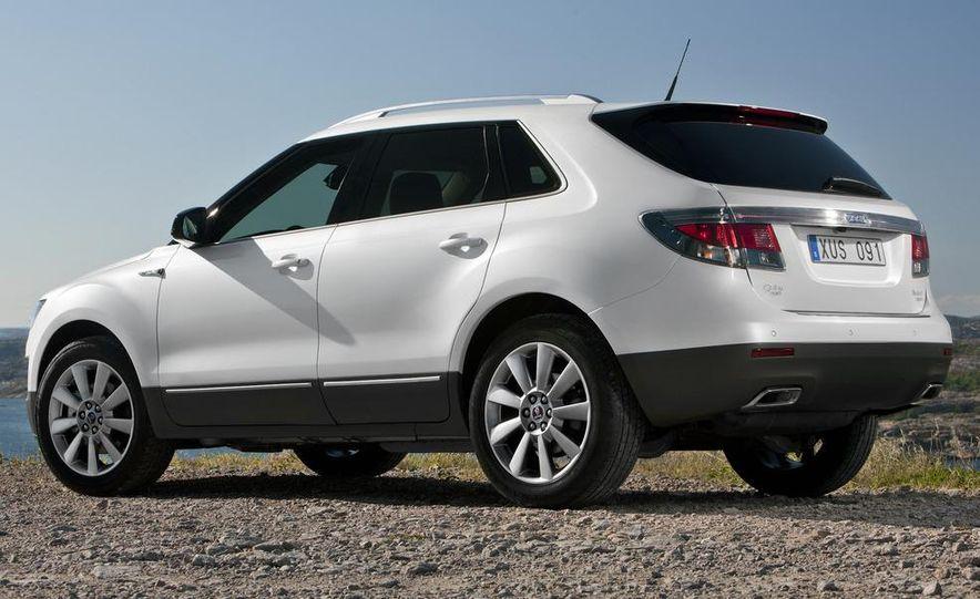 2011 Saab 9-4X - Slide 2