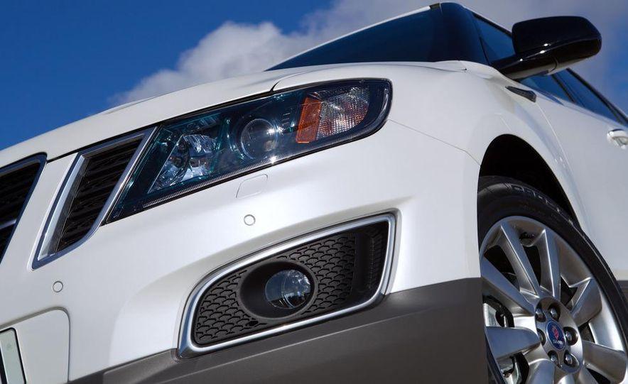 2011 Saab 9-4X - Slide 12
