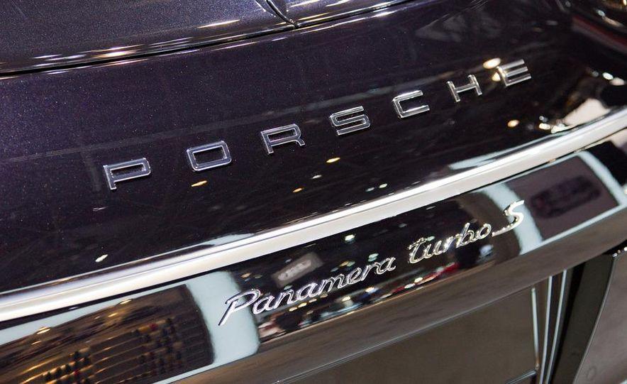 2012 Porsche Panamera Turbo S - Slide 11