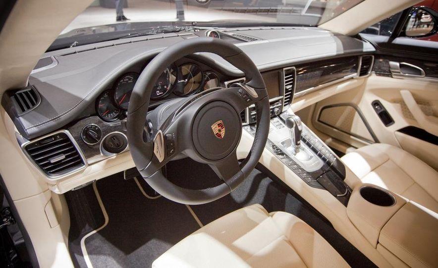 2012 Porsche Panamera Turbo S - Slide 12