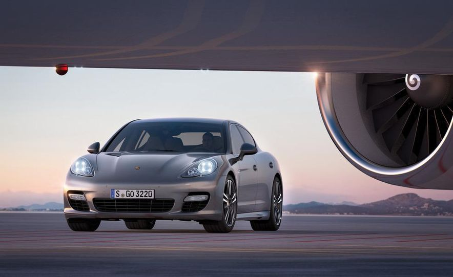 2012 Porsche Panamera Turbo S - Slide 15