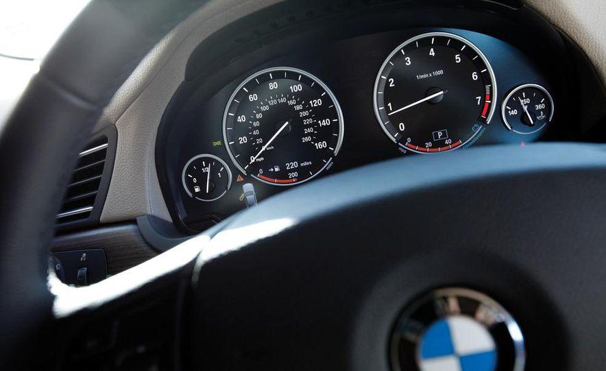 2011 Jaguar XJL Supercharged, 2011 Audi A8L, and 2011 BMW 750Li - Slide 21