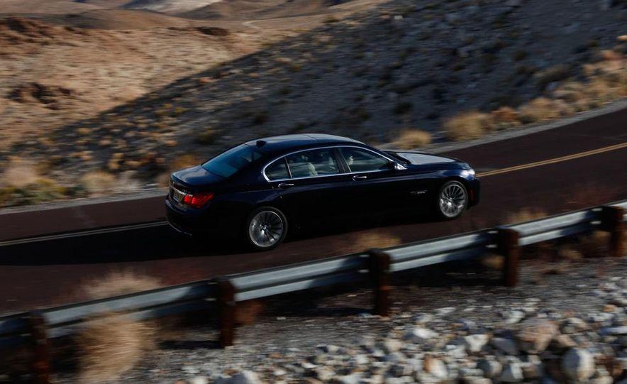 2011 Jaguar XJL Supercharged, 2011 Audi A8L, and 2011 BMW 750Li - Slide 15
