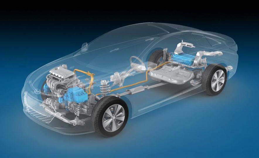 2011 Toyota Camry hybrid - Slide 42