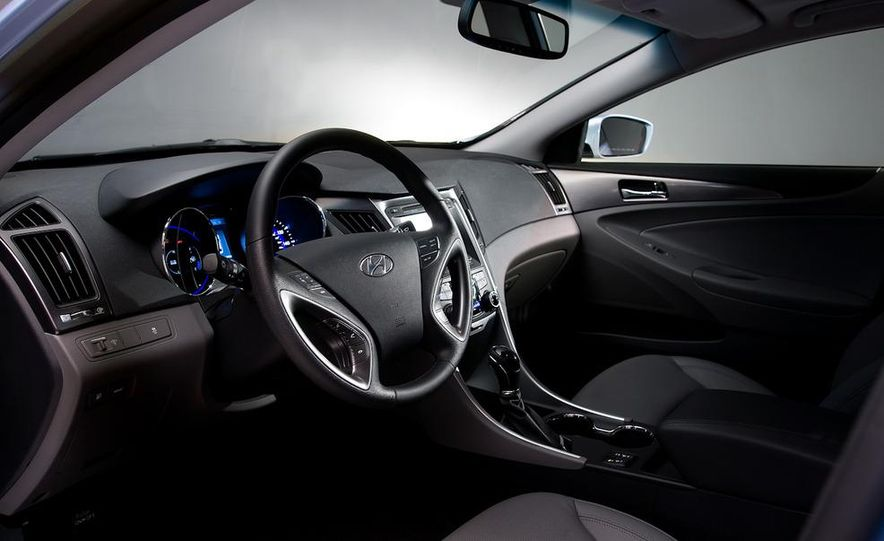 2011 Toyota Camry hybrid - Slide 40