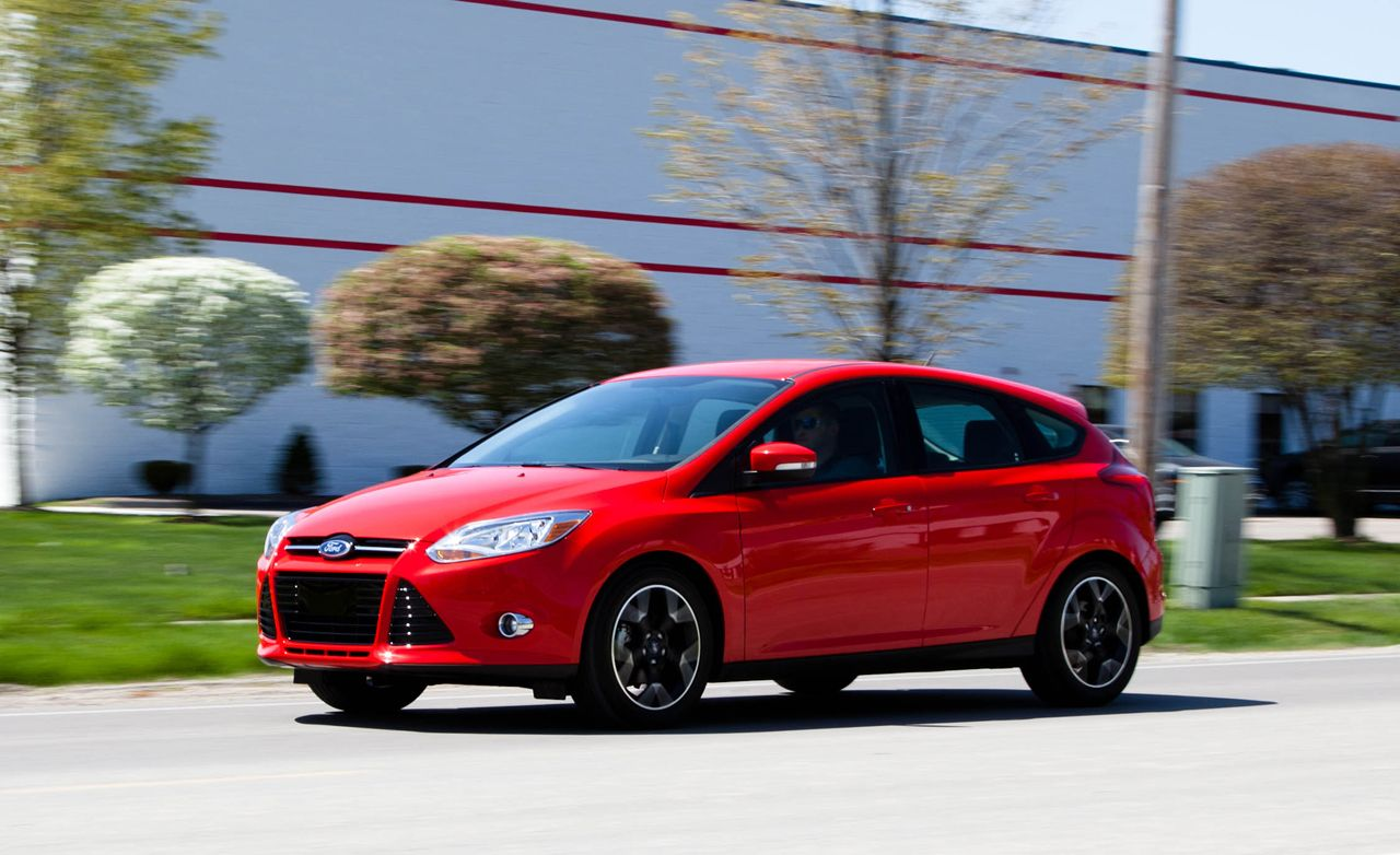 ford focus se manual hatchback test review car and driver rh caranddriver com 2012 Ford Focus Shop Manual 2012 Ford Focus Owners Guide