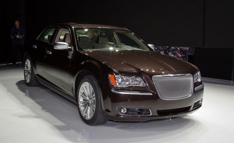 2012 Chrysler 300 S / 300C Executive Series