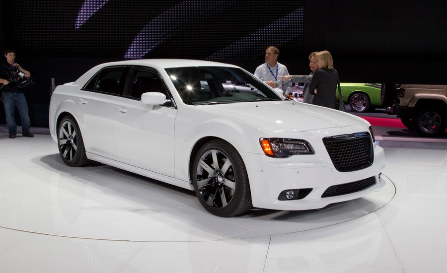 2012 chrysler 300c srt8 official photos and info news. Black Bedroom Furniture Sets. Home Design Ideas