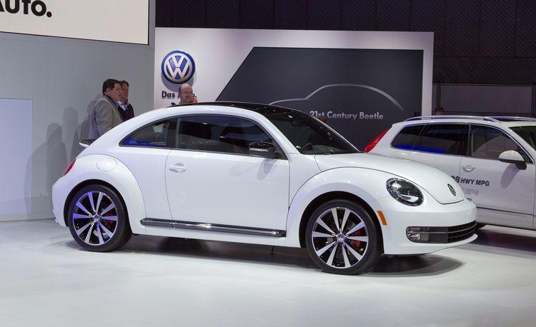 2012 Volkswagen Beetle Debuts @ 2011 New York Auto Show