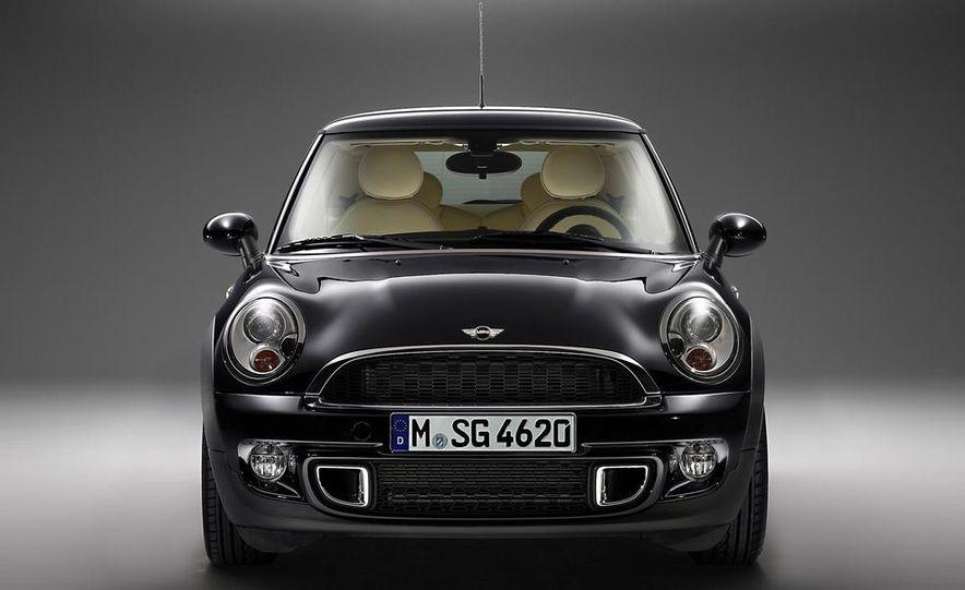 2012 Mini Cooper S Inspired by Goodwood - Slide 3