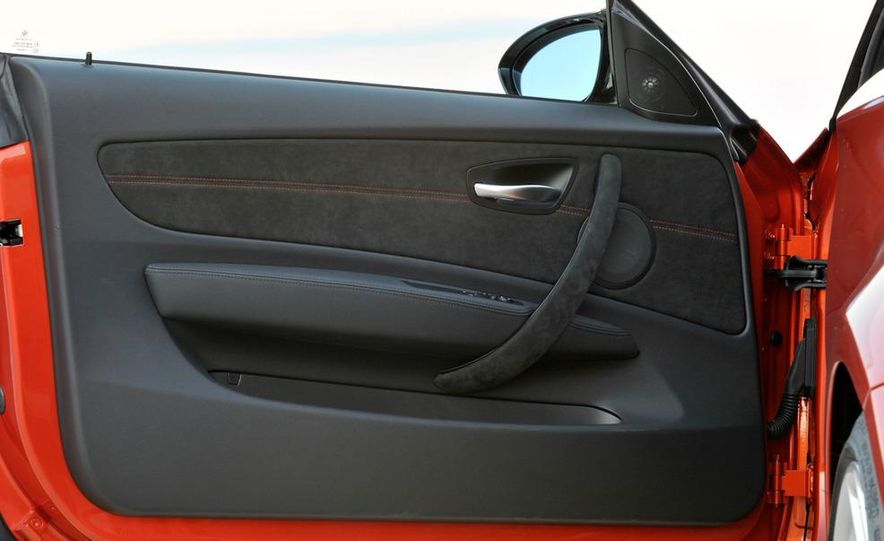 2011 BMW 1-series M coupe - Slide 31
