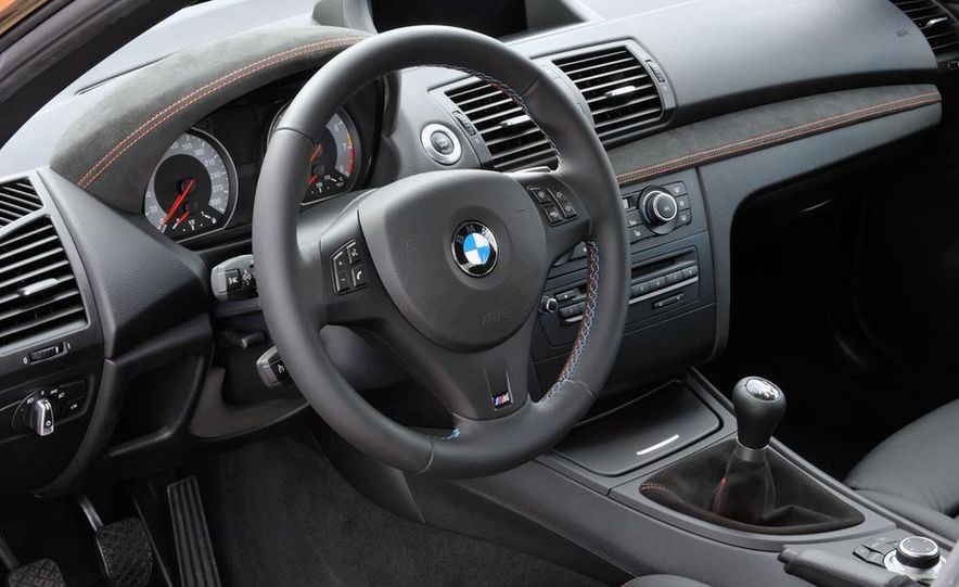 2011 BMW 1-series M coupe - Slide 35
