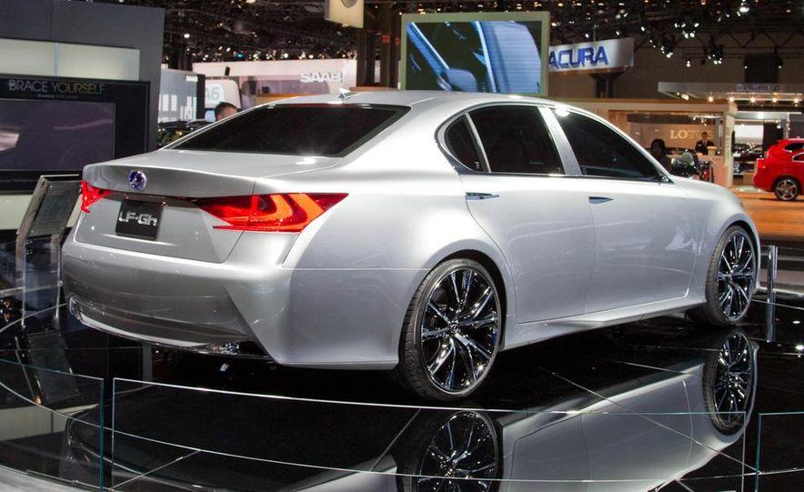 Lexus LF-Gh hybrid concept - Slide 8