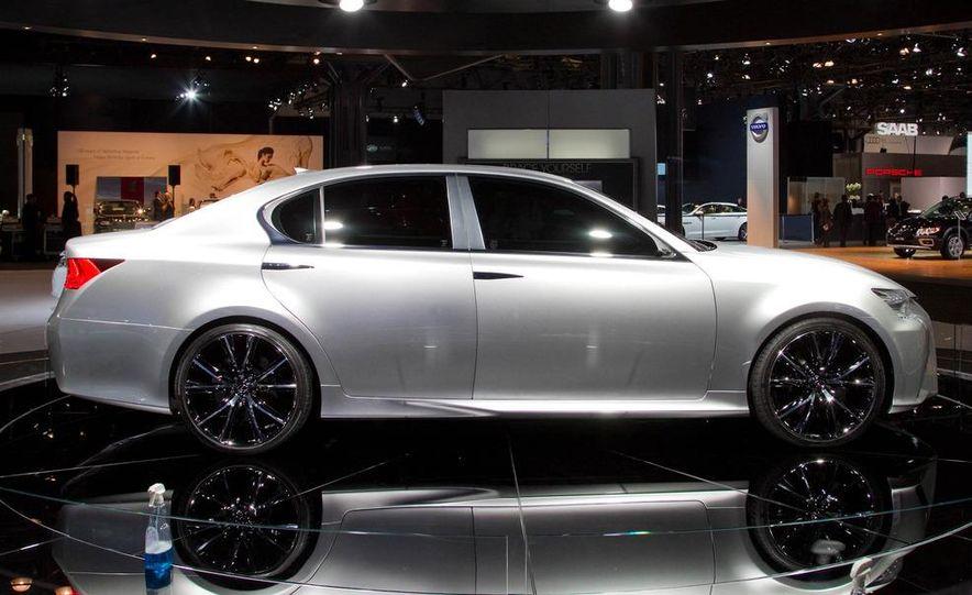 Lexus LF-Gh hybrid concept - Slide 10