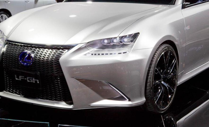 Lexus LF-Gh hybrid concept - Slide 12