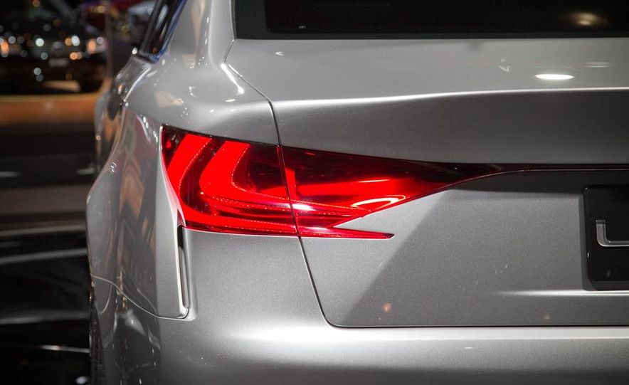 Lexus LF-Gh hybrid concept - Slide 16