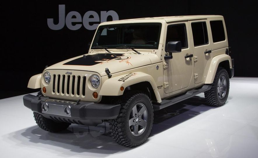 2011 Jeep Wrangler Unlimited Mojave - Slide 1
