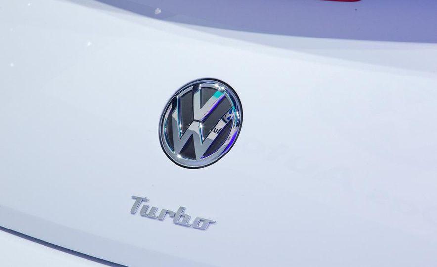 2012 Volkswagen Beetle - Slide 23