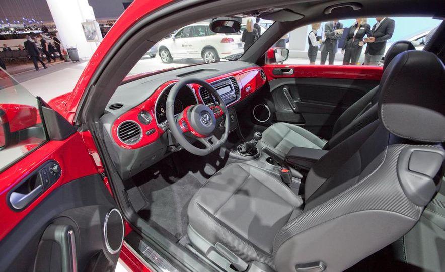 2012 Volkswagen Beetle - Slide 25