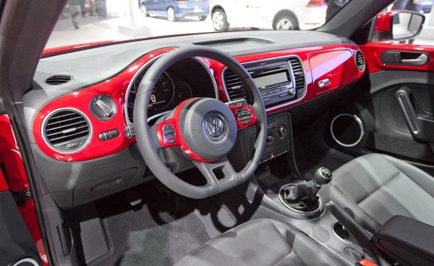 2012 Volkswagen Beetle - Slide 26