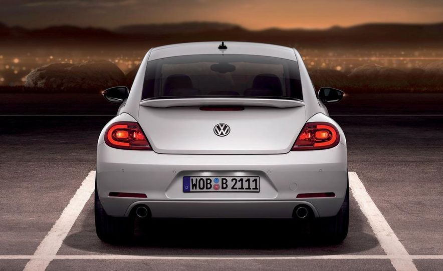 2012 Volkswagen Beetle - Slide 33
