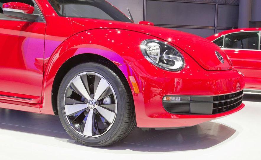 2012 Volkswagen Beetle - Slide 19